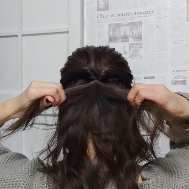後髪を縛る